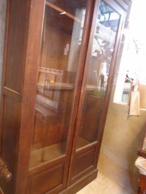 Antiguo Mueble Cristalero - Somos Vivienda Digna