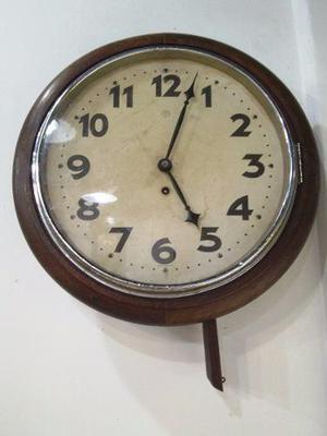 Antiguo Reloj Junghans Tipo De Estacion De Una Llave