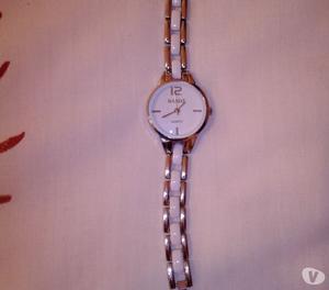 Vendo Reloj para mujer marca Dakot.