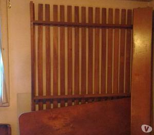 vendo cama de 2 plazas con colchon y mesas de luz
