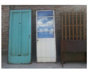 Vendo puertas y una cama de una plaza.....