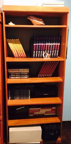 Biblioteca De Madera Color Roble Claro. Estantes Ajustables