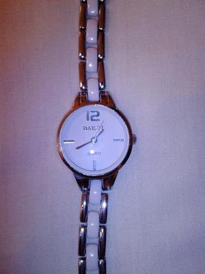 Vendo reloj para mujer marca Dakot