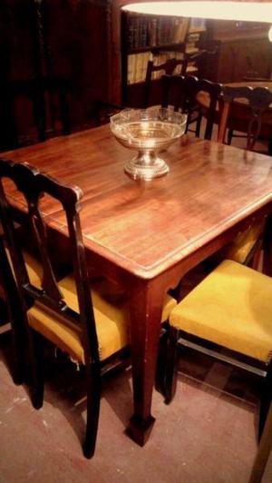 Juego de Comedor. Mesa extensible y 6 sillas