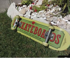 PatinetaSkate, nueva casi sin uso, Madera de Maple Canadien