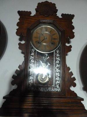 Antiguo Reloj De Pared Y Ansonia U.s.a. En Madera Trabajada
