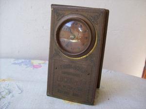 Muy Antiguo Reloj A Cuerda Con Publicidad.funcionando