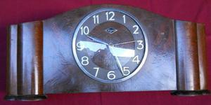 Reloj De Mesa Antiguo Eléctrico