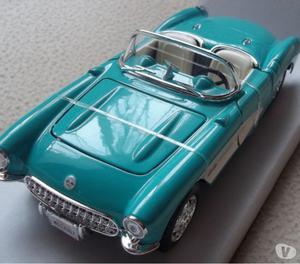 Auto De Colección A Escala Chevrolet Corvette Nuevo En Caja