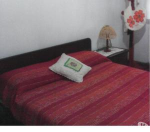 Juego de dormitorio matrimonial caoba
