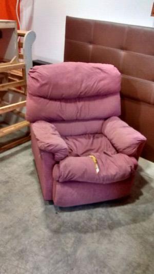 Vendo sofá y sillon de un cuerpo usado para retapizar