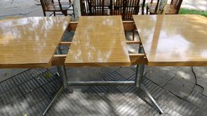 Hermosa mesa extensible para 8 o 10 personas