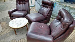 Hermoso sillón de 3 cuerpos con mesa ratona