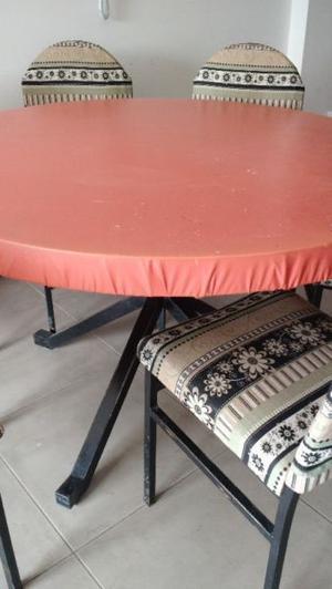 Mesa o mesa con sillas