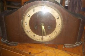Antiguo Reloj De Mesa Tipo Carillón