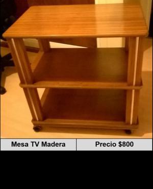 Mesa para TV de Madera con Rueditas