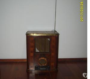 Vendo radio antigua con radio am fm y pasacasette