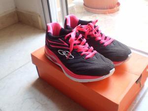 Vendo zapatillas nuevas de mujer talle