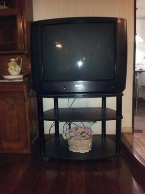 TV Philips 33' + mesita con ruedas (remato hasta el 3 de