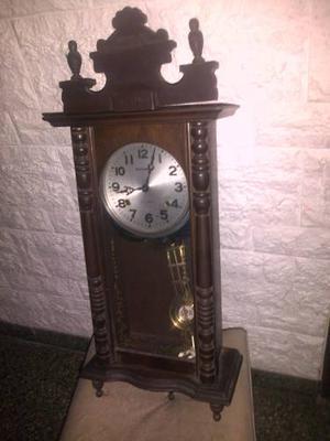 Reloj De Pared Antiguo C/péndulo Funcionando