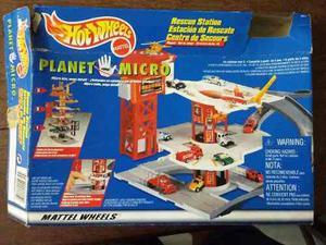 Vendo Pista De Hotwheels Planet Micro Rescue Station.