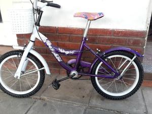 Bicicleta de nena violeta rod 16, poco uso.