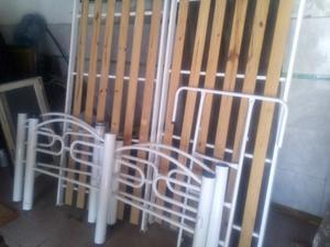 Cucheta con escalera blanca
