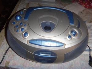 Radiograbador, con cd y radio, funcionando