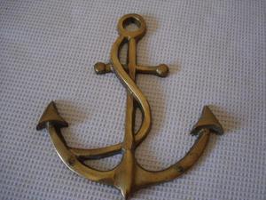 antigua ancla de adorno de bronce