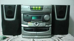 Daihatsu para 3 CD con control remoto
