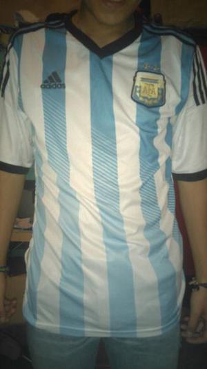 Vendo o permuto camiseta de Argentina mundial