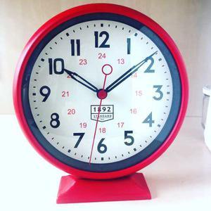 Reloj De Apoyo O De Pared Estilo Amerian Retro - Vintage