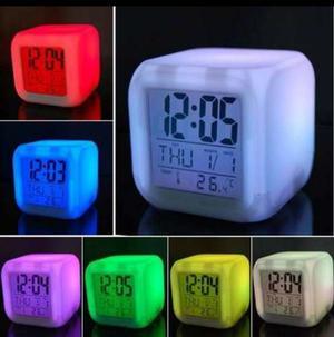 Reloj Despertador, Cambia De Color