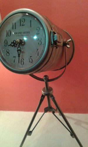 Reloj Hierro Con Trípode Decoración Vintage Retro Navidad