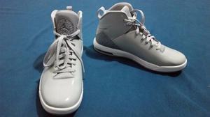 Zapatillas de basquet basket Jordan Grises NUEVAS sin uso
