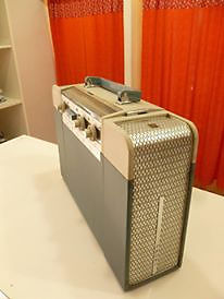 Tocadisco con radio AM/FM CROWN, Made in Japan
