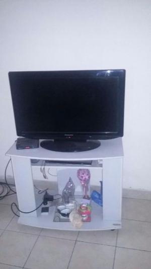 """URGENTE VENDO POR MUDANZA TV PHILCO 32""""LCD CON MESA DE"""