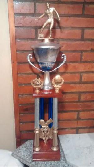 copas y trofeo de futbol