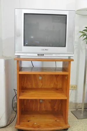 Televisor 29 Pulgadas Pantalla Plana Con Mesa De Pino Maciza