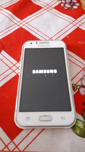 Vendo Samsung j1 libre 4g minimo pequeño detalle