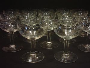 Copas de Cristal para Brindis. 17 piezas
