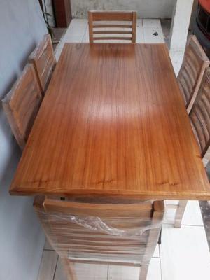 Vendo juego de mesa y silla laqueadas