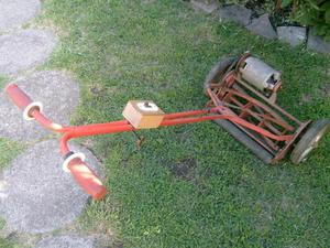 antigua cortadora de pasto