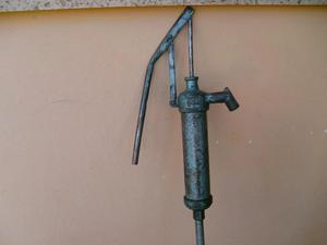 antiguo extractor de aceite