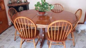 Mesa extensible y sillas todo roble