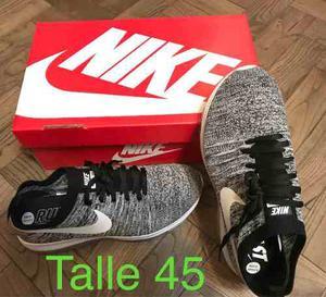 Zapatillas Nike Grises . Talle 45