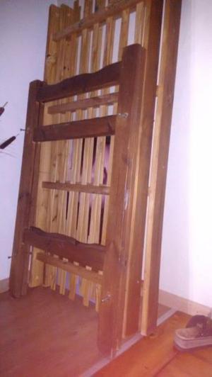 vendo cucheta de madera con esc y baranda
