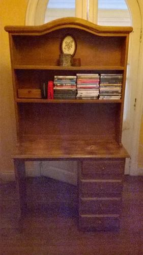 Escritorio Con 4 Cajones Y Estantes Para Biblioteca
