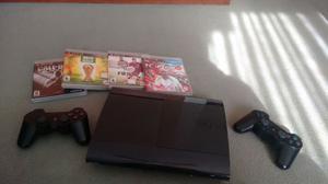 PLAY STATION 3 PS3 con 3 juegos y 2 joystick.