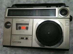 Sanyo  - Radio AM/FM-Reproductor/Grabador de Cassettes